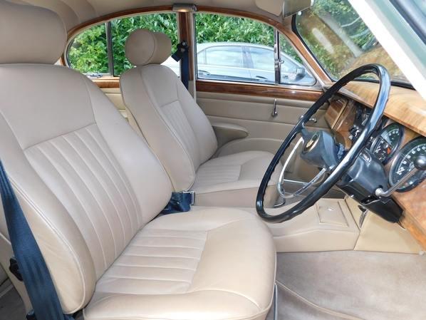 Jaguar 340 interior
