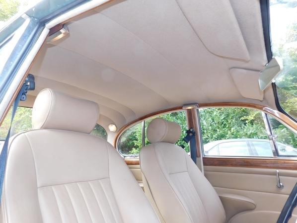 Jaguar 340 upholstery