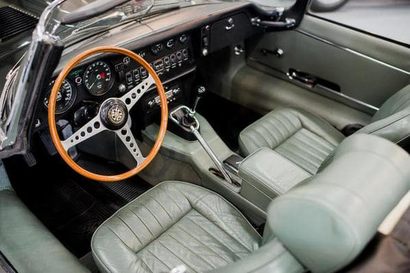 Jaguar E-Type Series 2 interior