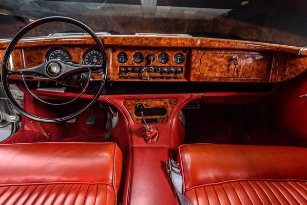 Jaguar Mark Ten interior