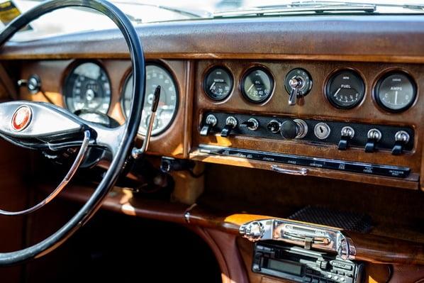 Jaguar S-Type instrument panel