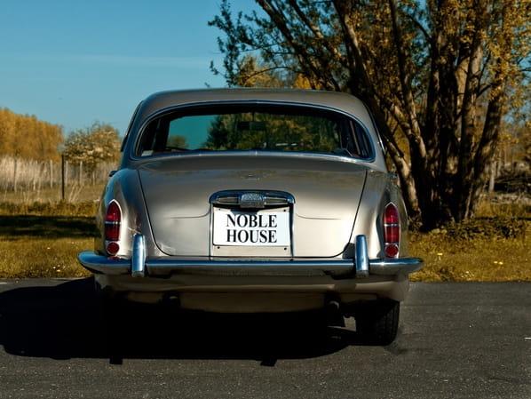 Jaguar S-Type old version
