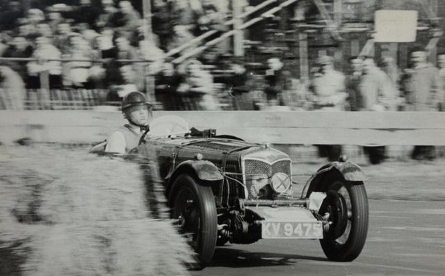 Майк Хауторн на Riley-Ulster в Брайтоне 1950
