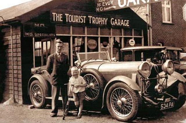 Майк Хауторн и его отец, 1935 год