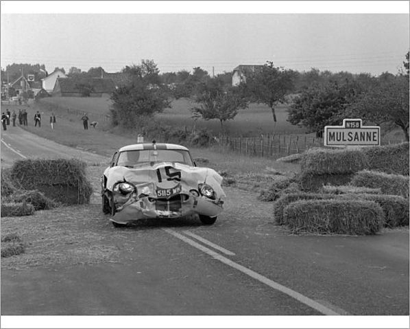 Jaguar E-Type Lightweight after crash