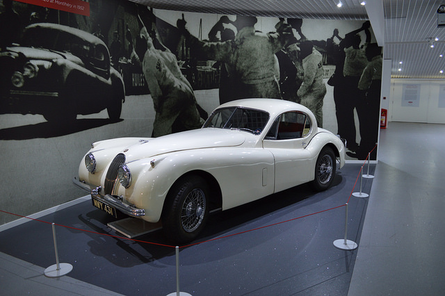 Jaguar XK120 в музее Ковентри
