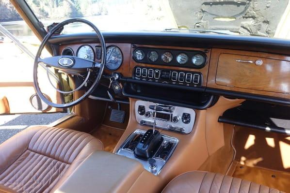 Jaguar XJ6 interior