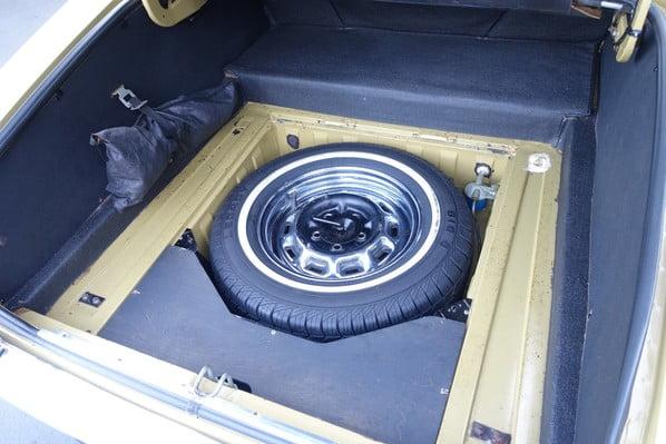 Jaguar XJ6 spare wheel