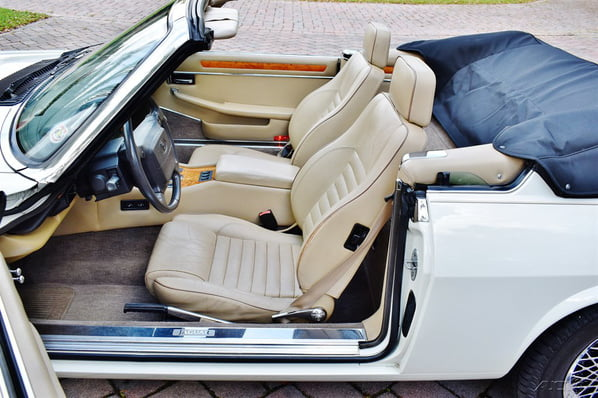 Jaguar XJ-S Convertible interior
