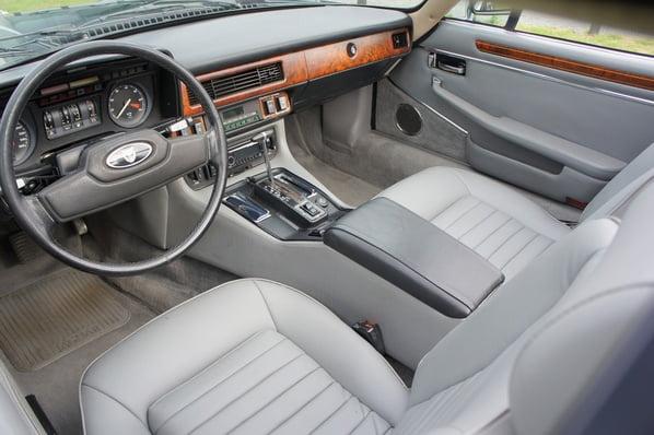 Jaguar XJ-SC Cabriolet interior