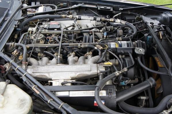 Jaguar XJ-SC V12 engine