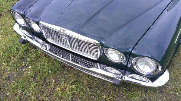 Jaguar XJC front body