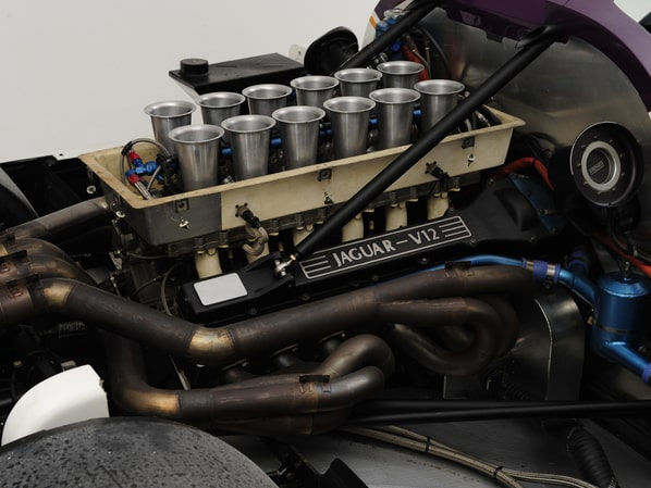 Jaguar XJR-8 engine
