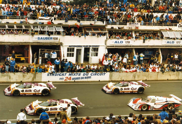 Jaguar XJR-8 on Le-Mans 1987