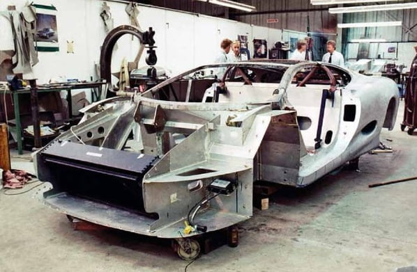 Jaguar XJ220 Concept chassis and body creation