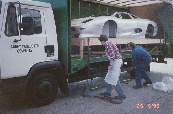 Jaguar XJ220 Experimental Prototype delivery