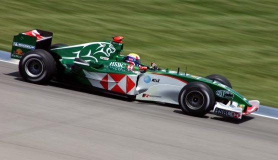 Jaguar Cosworth гоночный автомобиль