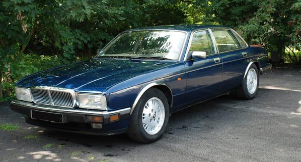 Jaguar Soverign Gold (XJ40 Generation 3)